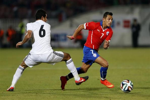 Arsenal's new signing, Alexis Sanchez in action for Chile